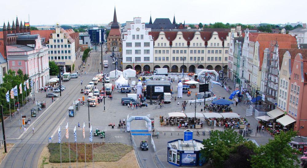 Start und Ziel der Rostocker Marathonn-Nacht 2010