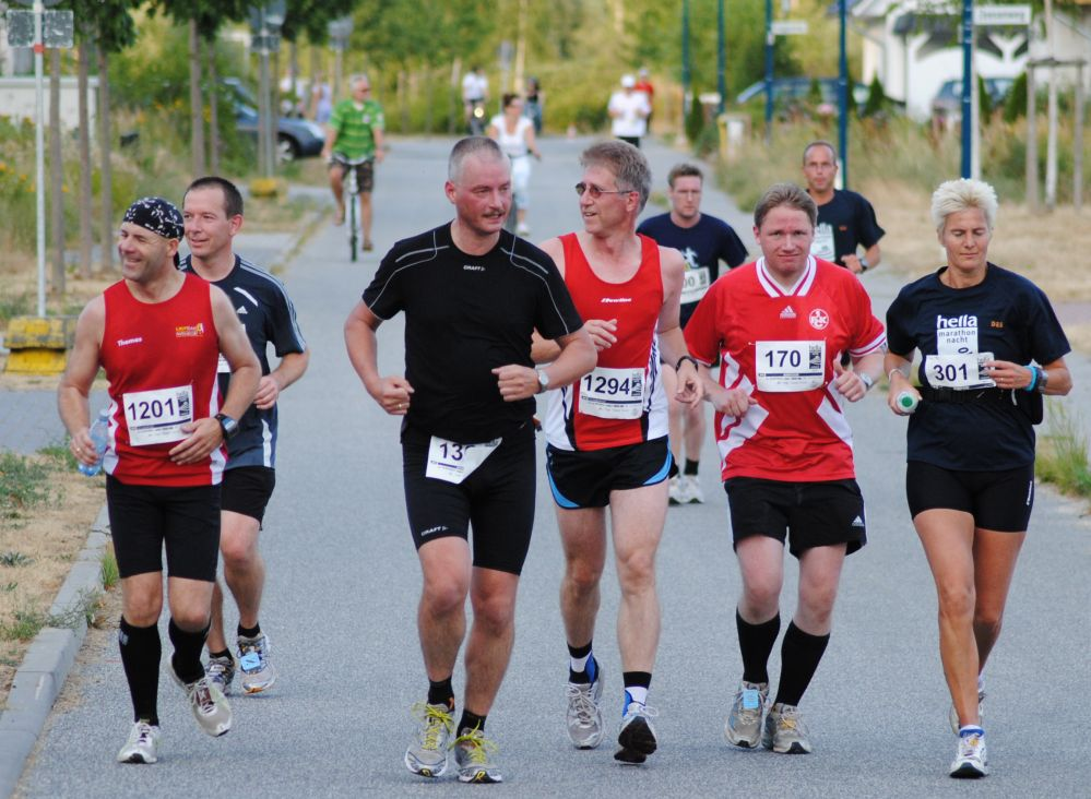 Rostocker Marathonn-Nacht 2010 - auf dem Weg zum Warnowtunnel